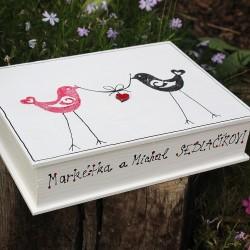 ZAMILOVANÁ dřevěná krabička ptáčci