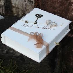 Svatební dřevěná krabička kniha KLÍČ KE ŠTĚSTÍ