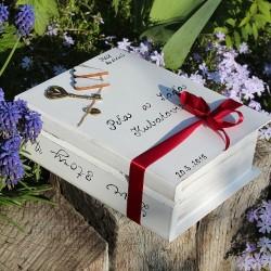 Svatební dřevěná kniha ZÁMEK LÁSKY