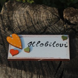 Dřevěná cedulka na dveře ZAMILOVANÁ
