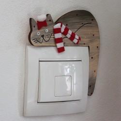 Dřevěná KOČKA na vypínač zimní