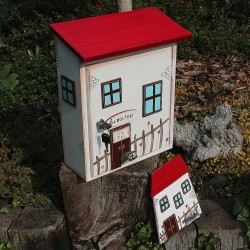 Dřevěná cedulka k poštovní schránce