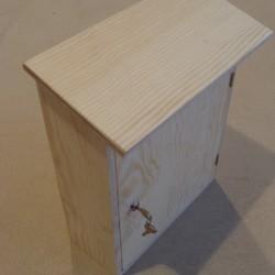 DŘEVĚNÁ poštovní schránka k dotvoření