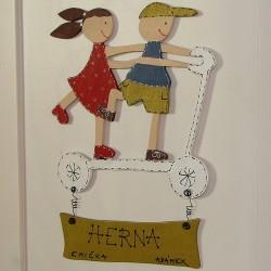 Dřevěná cedulka na dveře dětského pokoje