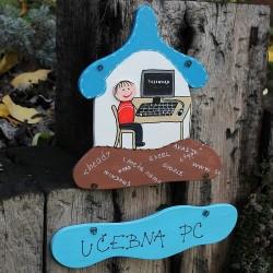 Dřevěná cedulka pro školy - učebna PC