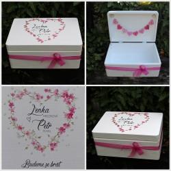 Dřevěná SVATEBNÍ krabička na přání a dary romantik