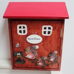 Dřevěná poštovní schránka VEVERKOVI II