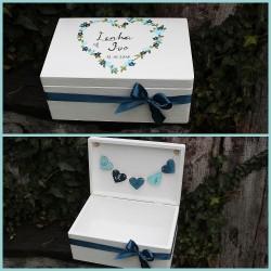 Dřevěná SVATEBNÍ krabička na přání a dary pomněnkové srdce