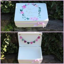 Dřevěná SVATEBNÍ krabička na přání a dary romantika