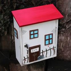 Dřevěná poštovní schránka DOMEČEK
