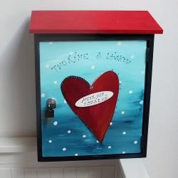 Malovaná poštovní schránka - ateliér