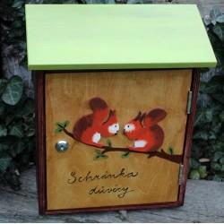 Dřevěná poštovní schránka důvěry - veverky