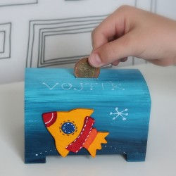 Dřevěná pokladnička pro děti vesmír