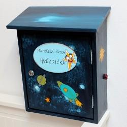 Malovaná poštovní schránka - mateřská škola HVĚZDIČKA