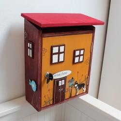 Dřevěná poštovní schránka DOMEČEK pod KARLŠTEJNEM